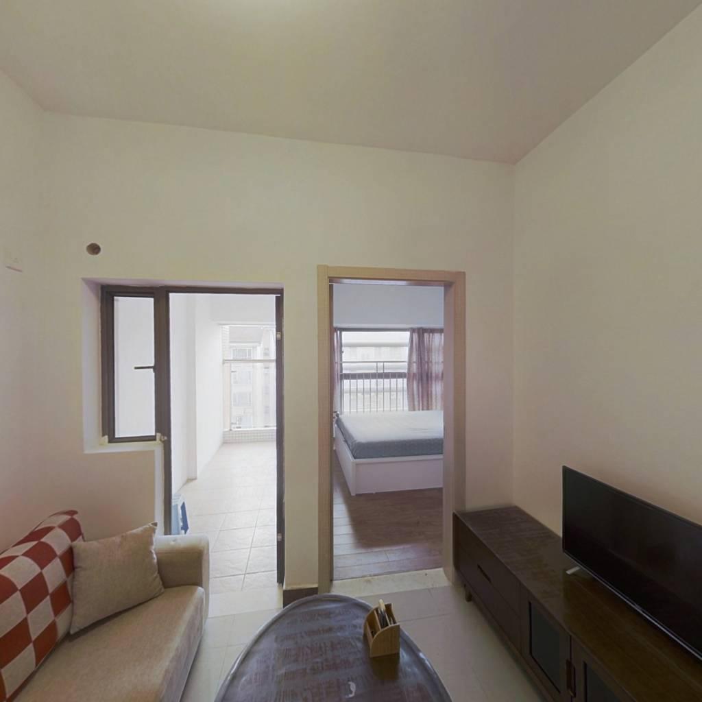 东润领寓 1室1厅 南 北