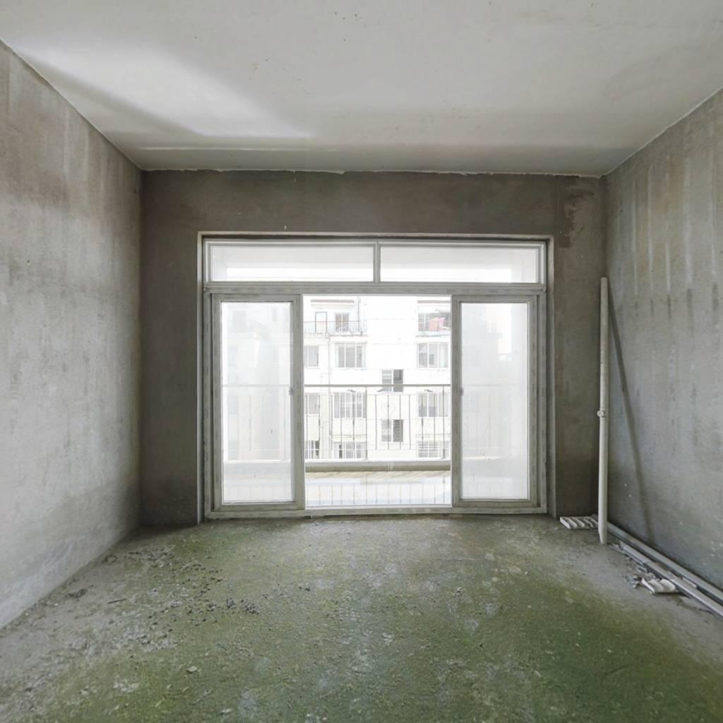 上海新城小区 4室2厅 南