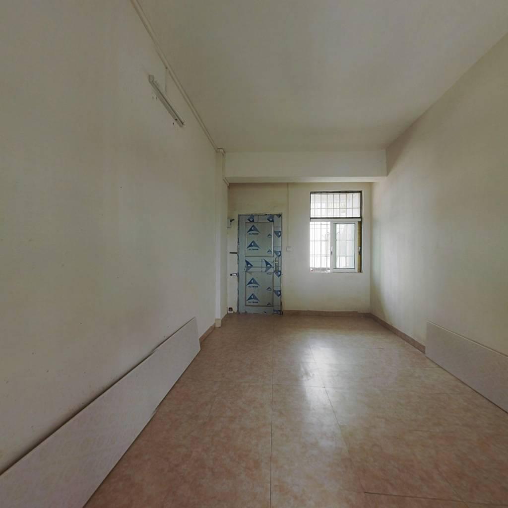 此房地段好,配套齐全,格局方正,光线充足,证满二..