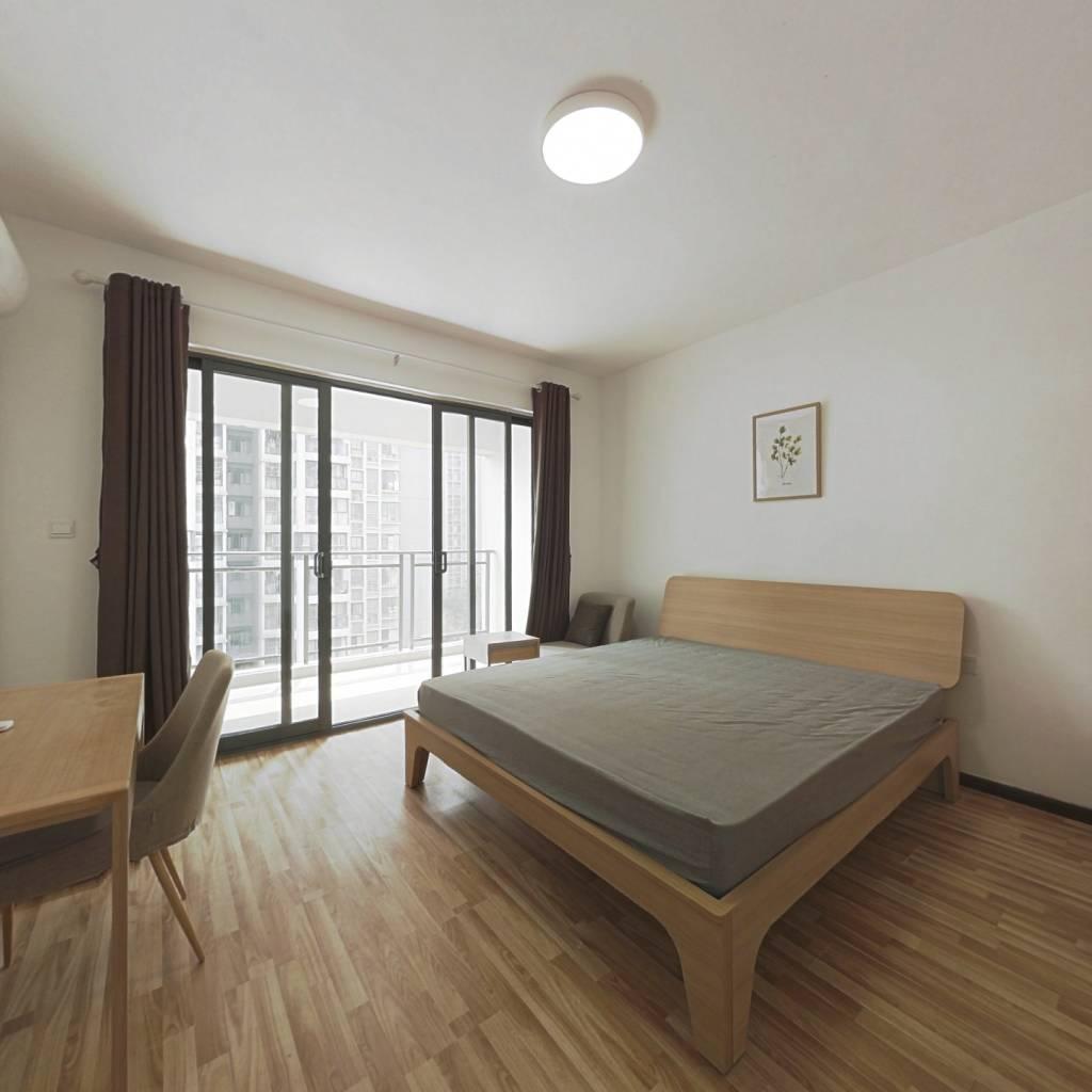 合租·东苑F区 3室1厅 东南卧室图