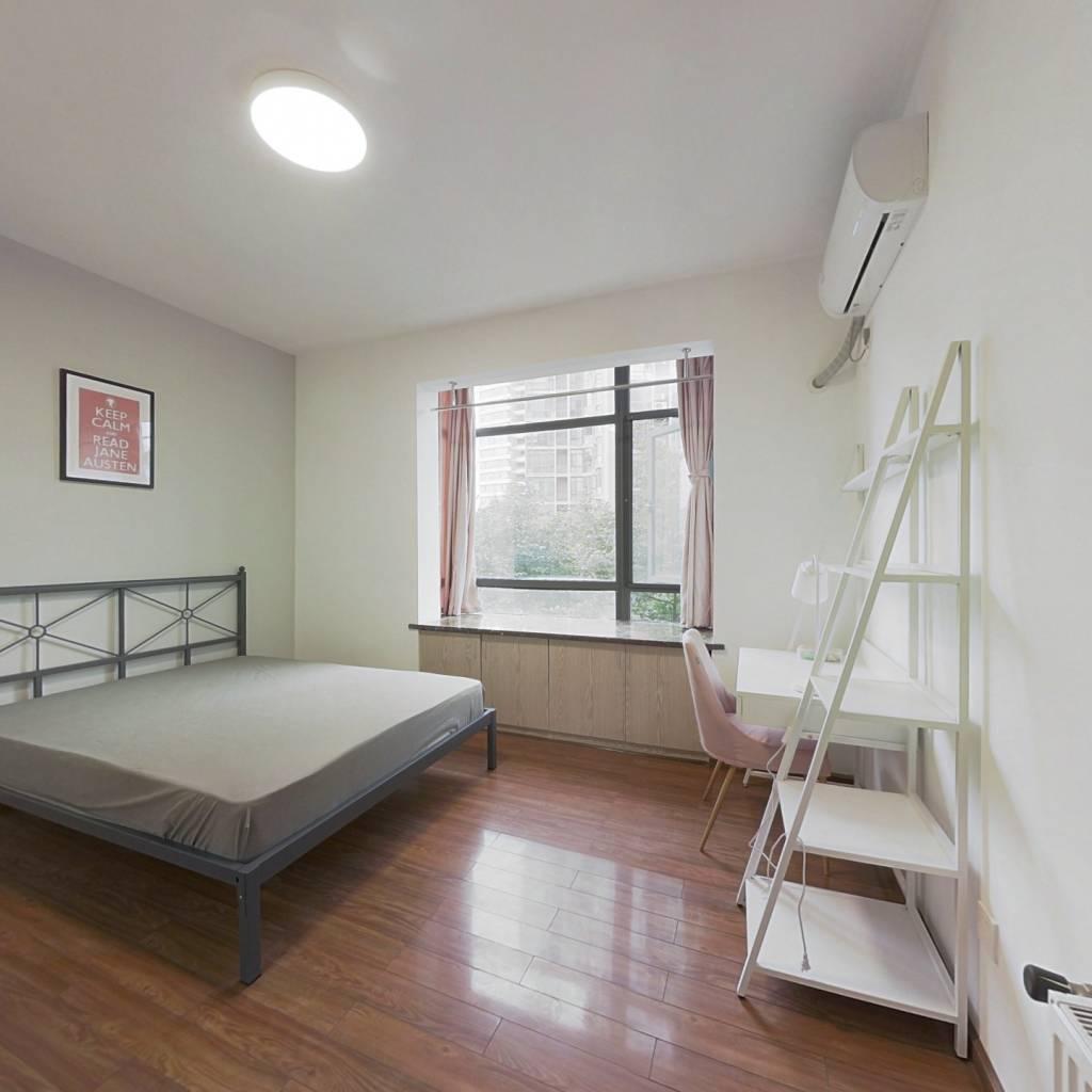 合租·康河郦景三期 4室1厅 北卧室图