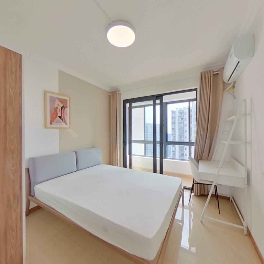 合租·合景瑜翠园 4室1厅 南卧室图