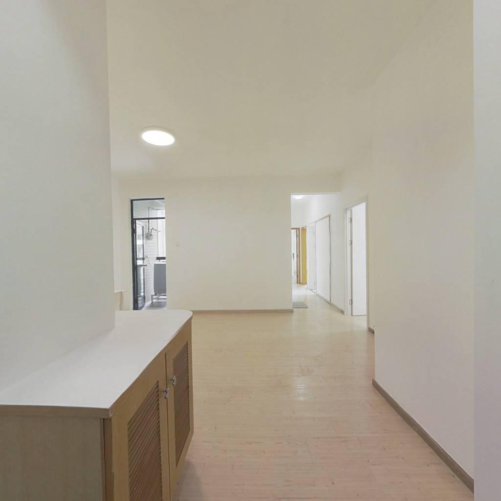 合租·绿海名都 4室1厅 西卧室图