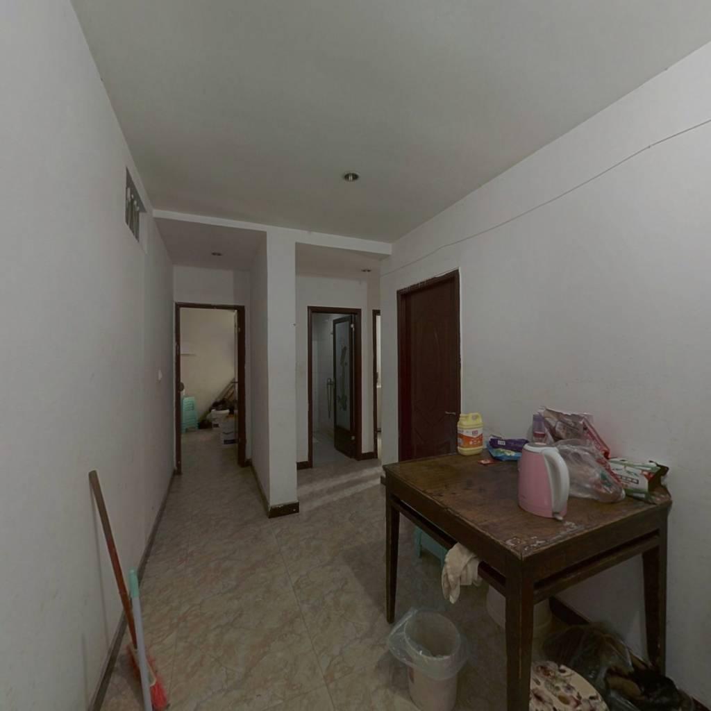 柏林小区 4室1厅 78万
