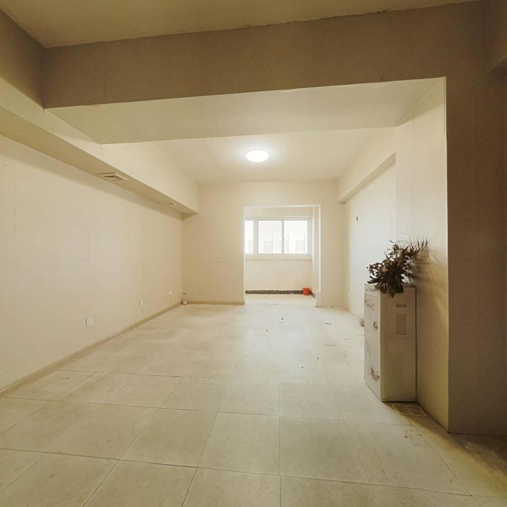 北园大街50年产权公寓 可贷款