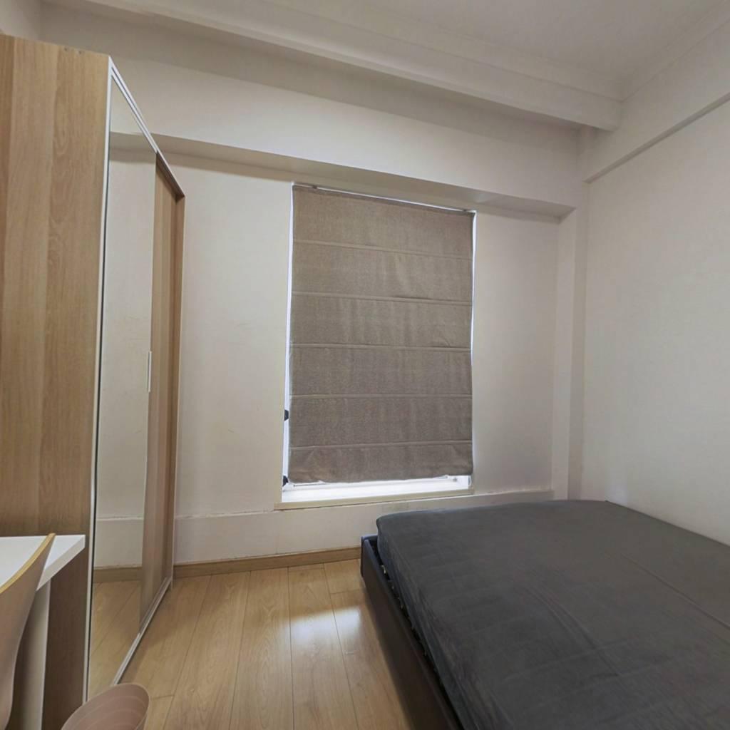 精装修公寓,户型方正,业主诚心出售