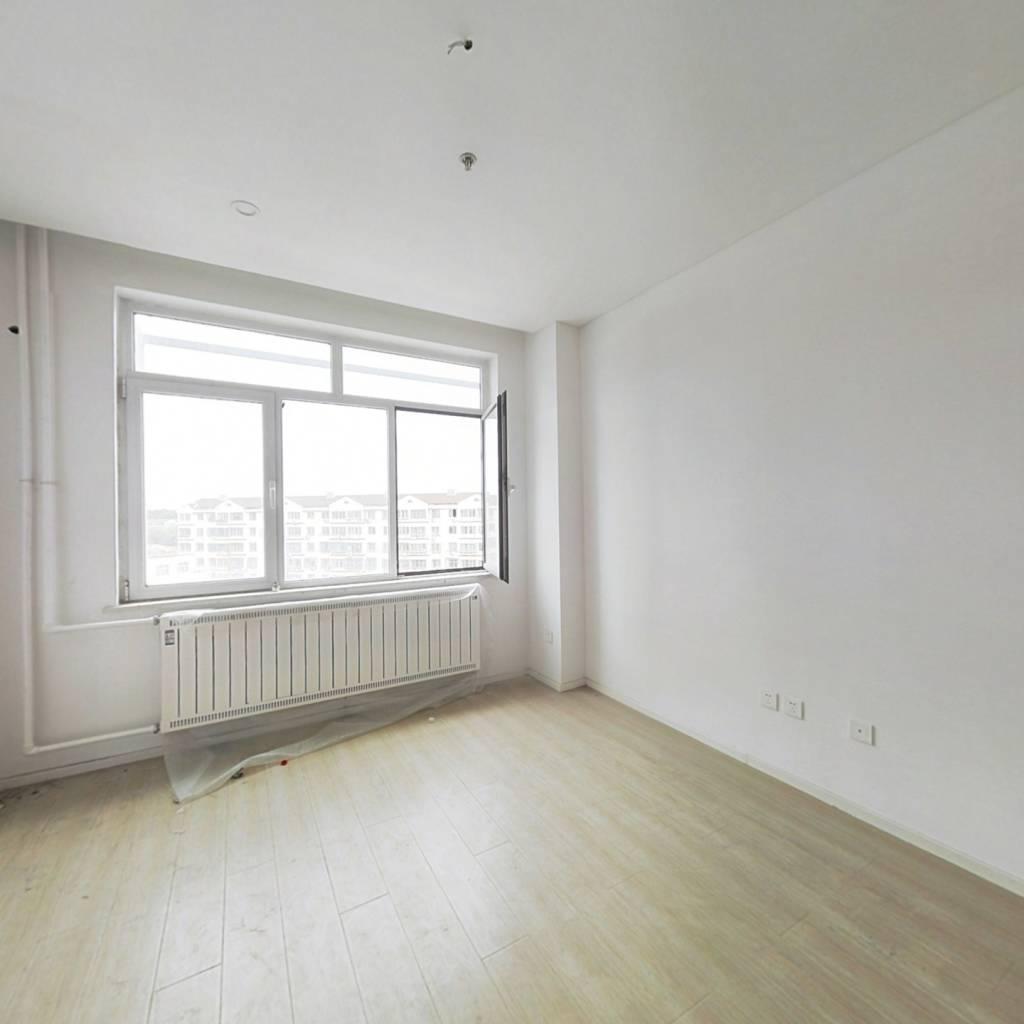 朗逸豪庭公寓房一室带卫生间,近一中,可出租和居住