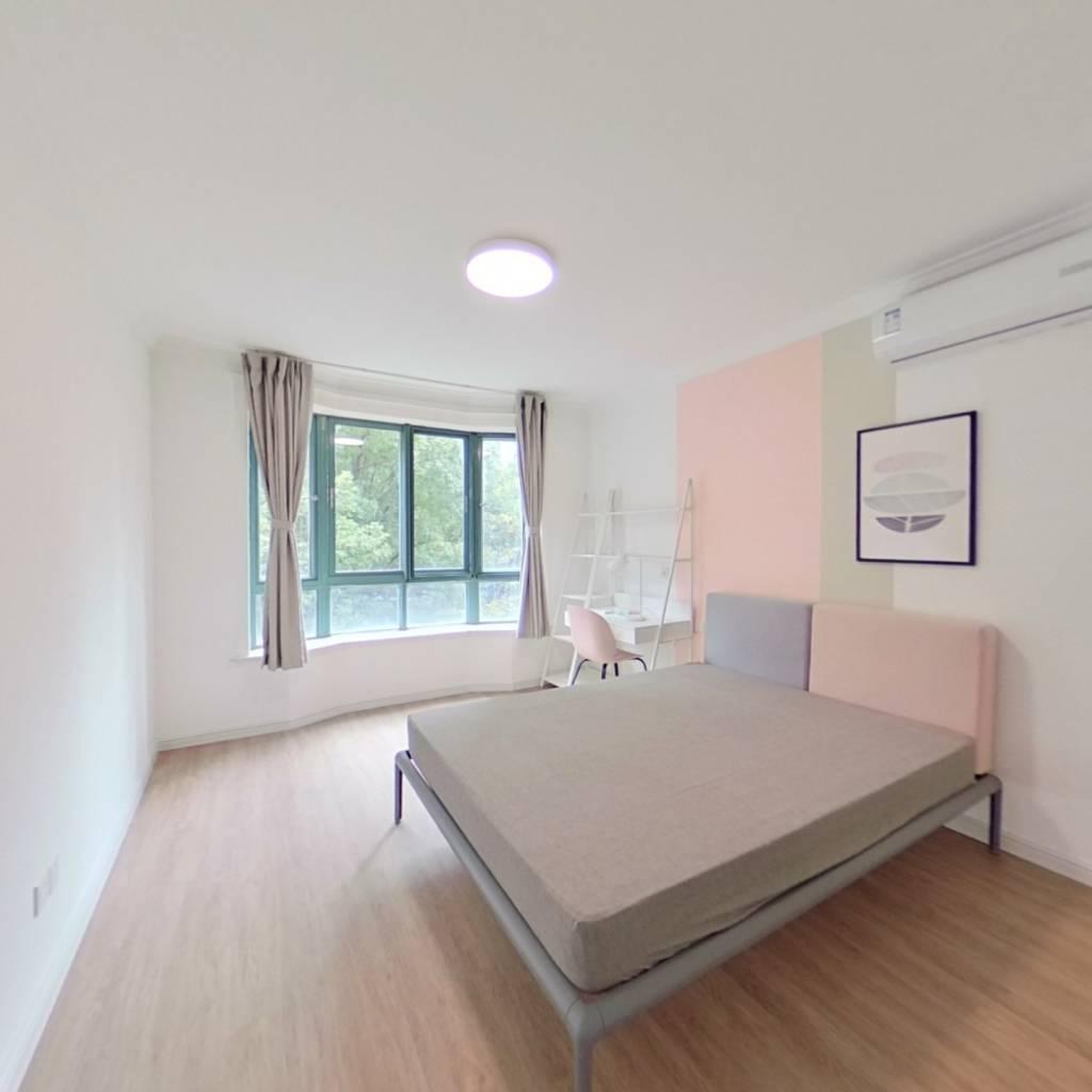 合租·达安花园 4室1厅 南卧室图