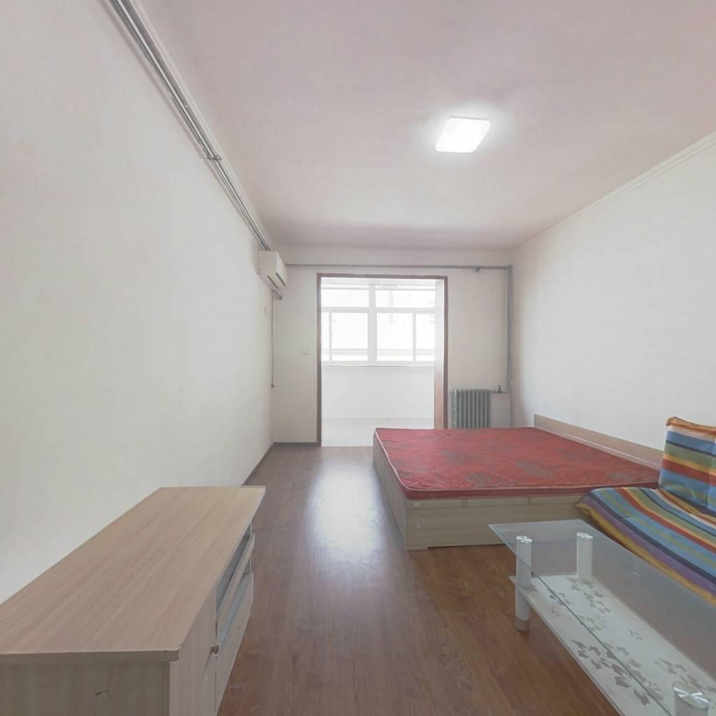 华泰家园 1室1厅 南