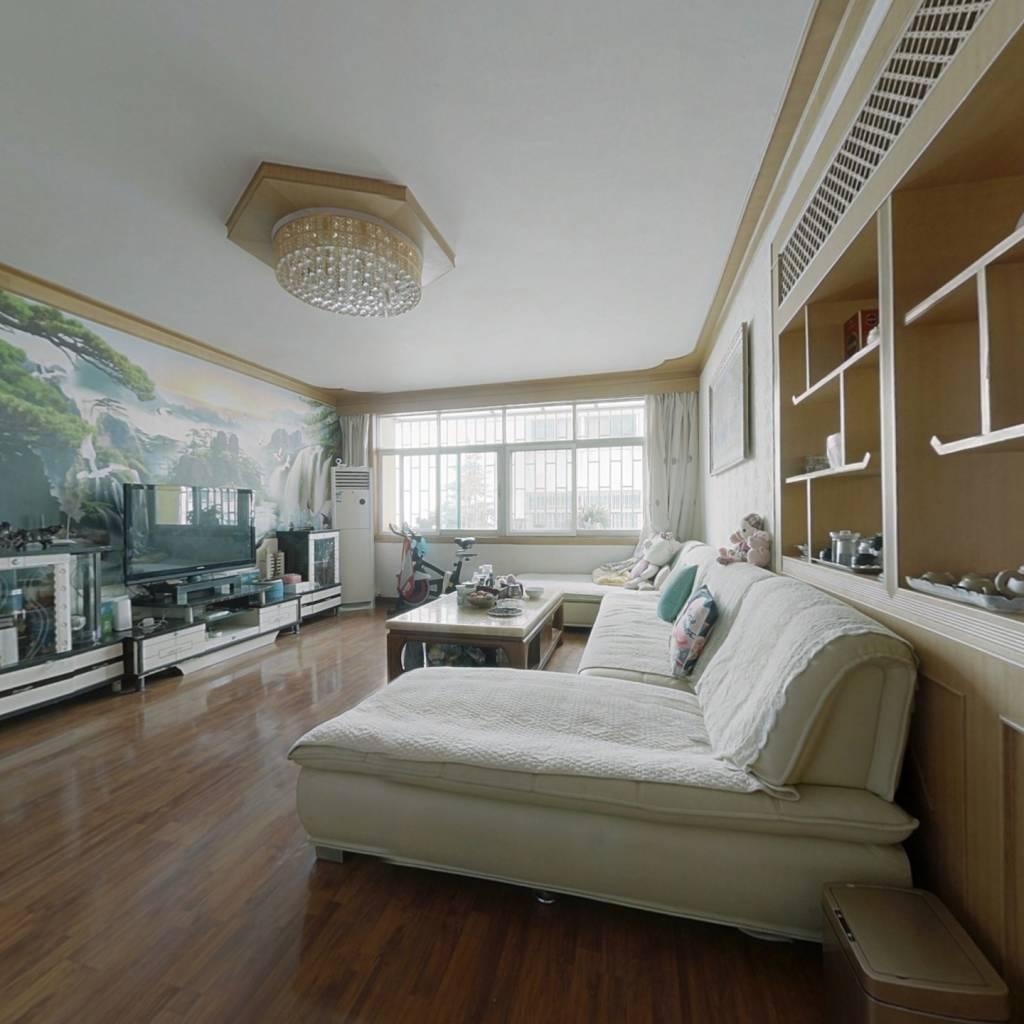 宝兴花园 3室2厅 南北 精装好房 看房方便 价格可谈
