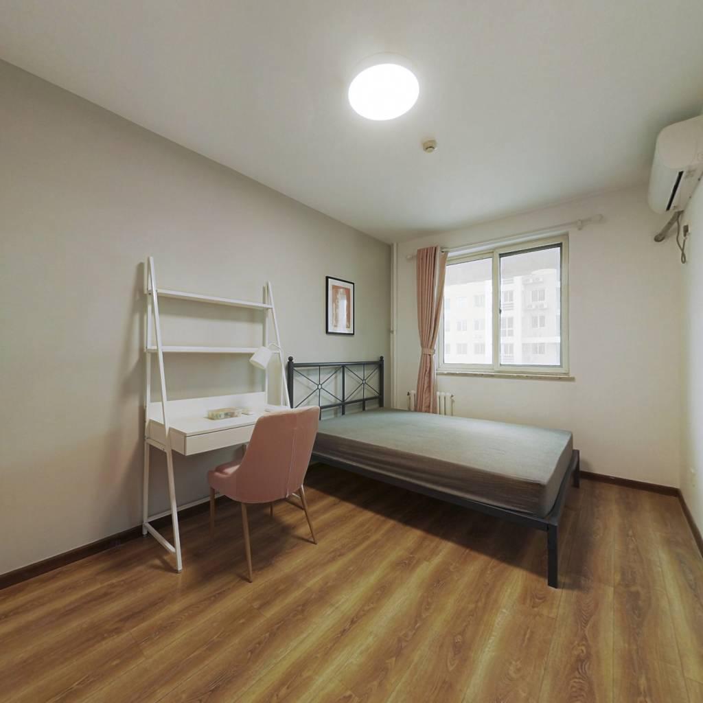 合租·宏源公寓 4室1厅 西卧室图