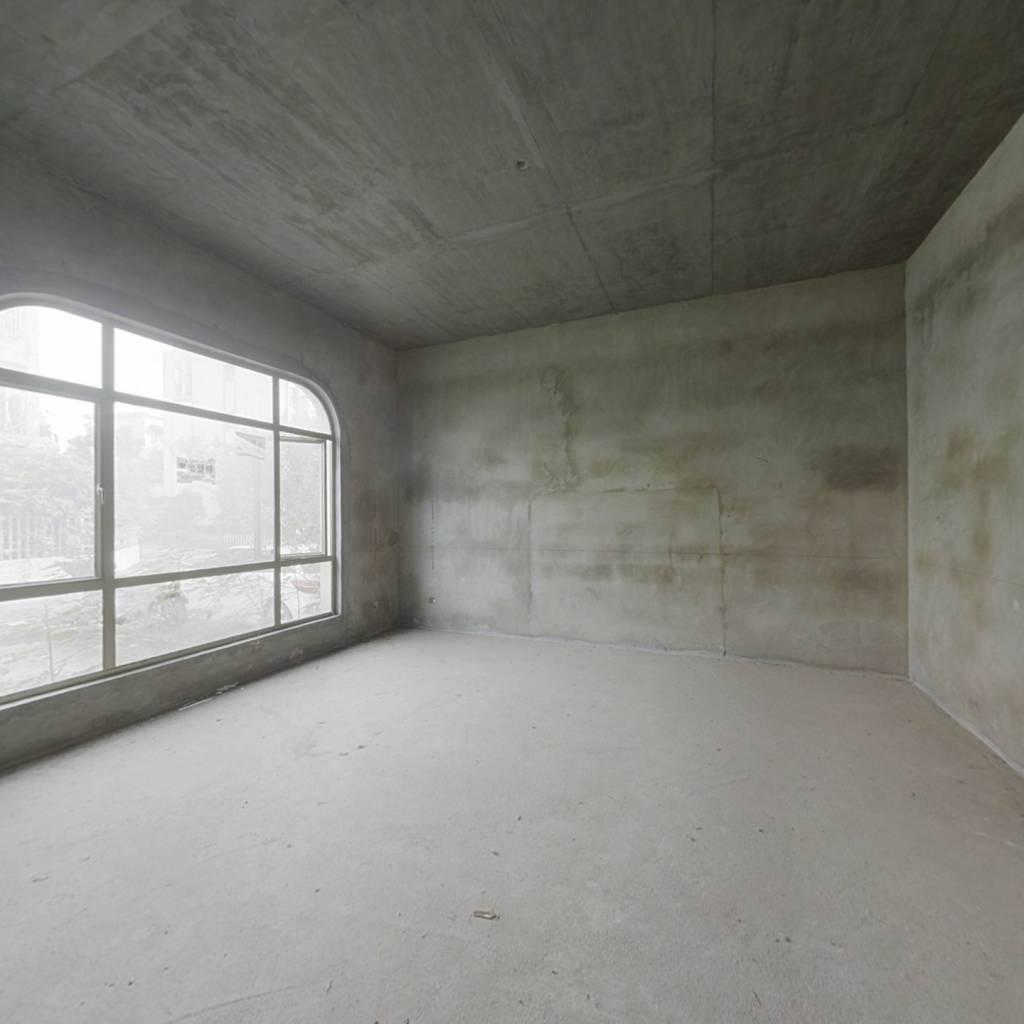 碧桂园山湖城,双拼二层,带花园,满二年,一楼有卧室