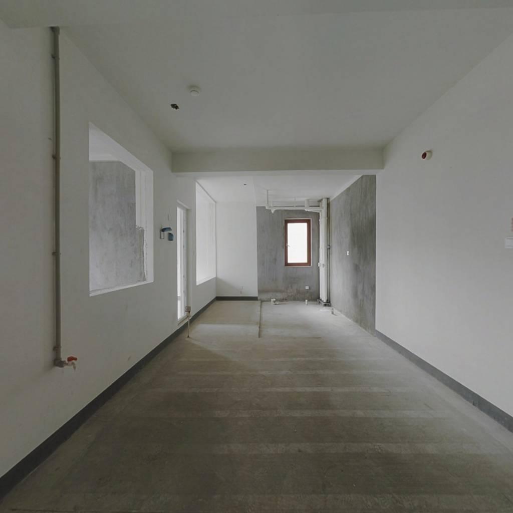温州悦府东边间 跃层 房户型方正 实际使用面积多