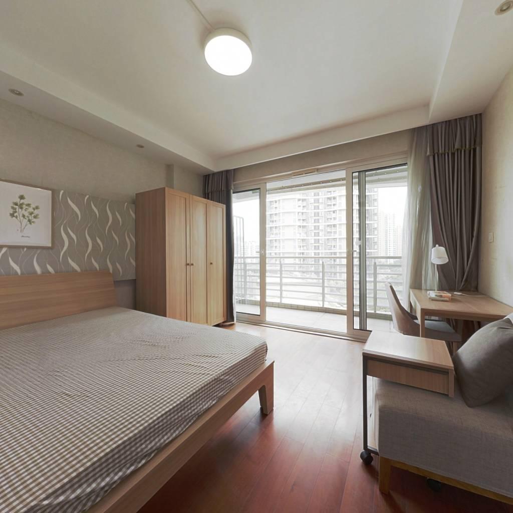 合租·天鸿君邑 5室1厅 南卧室图