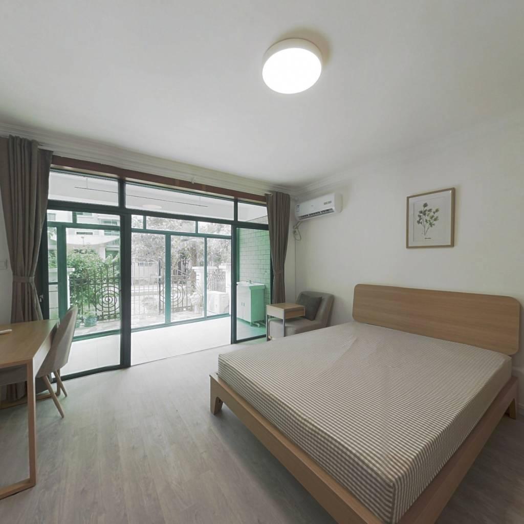 合租·万峰梦湖苑 3室1厅 北卧室图