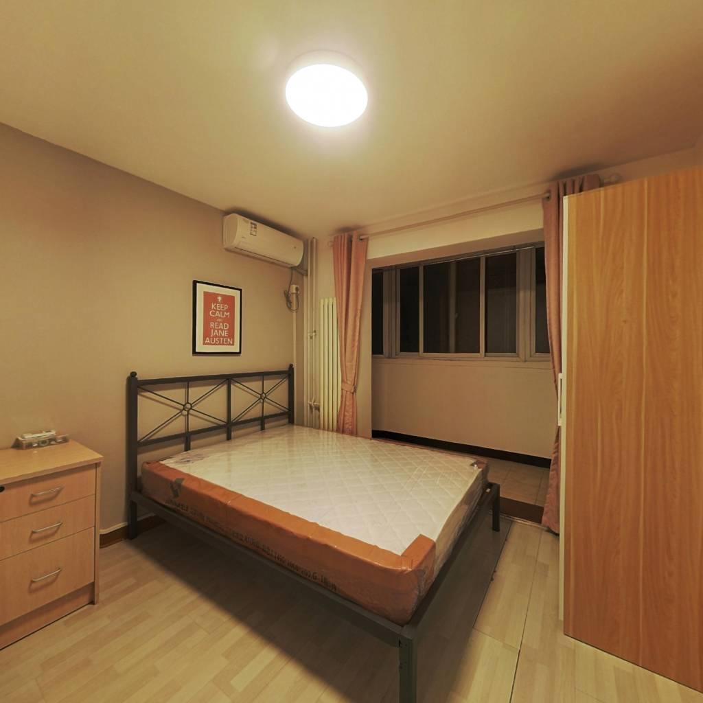 合租·北苑家园紫绶园 3室1厅 西卧室图