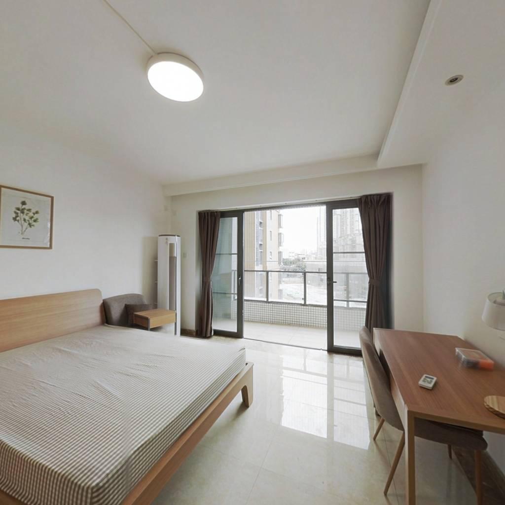 合租·新世界凯粤湾 4室1厅 西卧室图