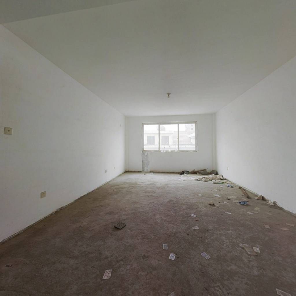 标准三室两厅两卫 车库 好楼层 双气 满五无高税