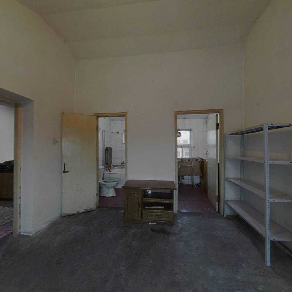 聚鑫小区一期,房款低,一室一厅,出行方便