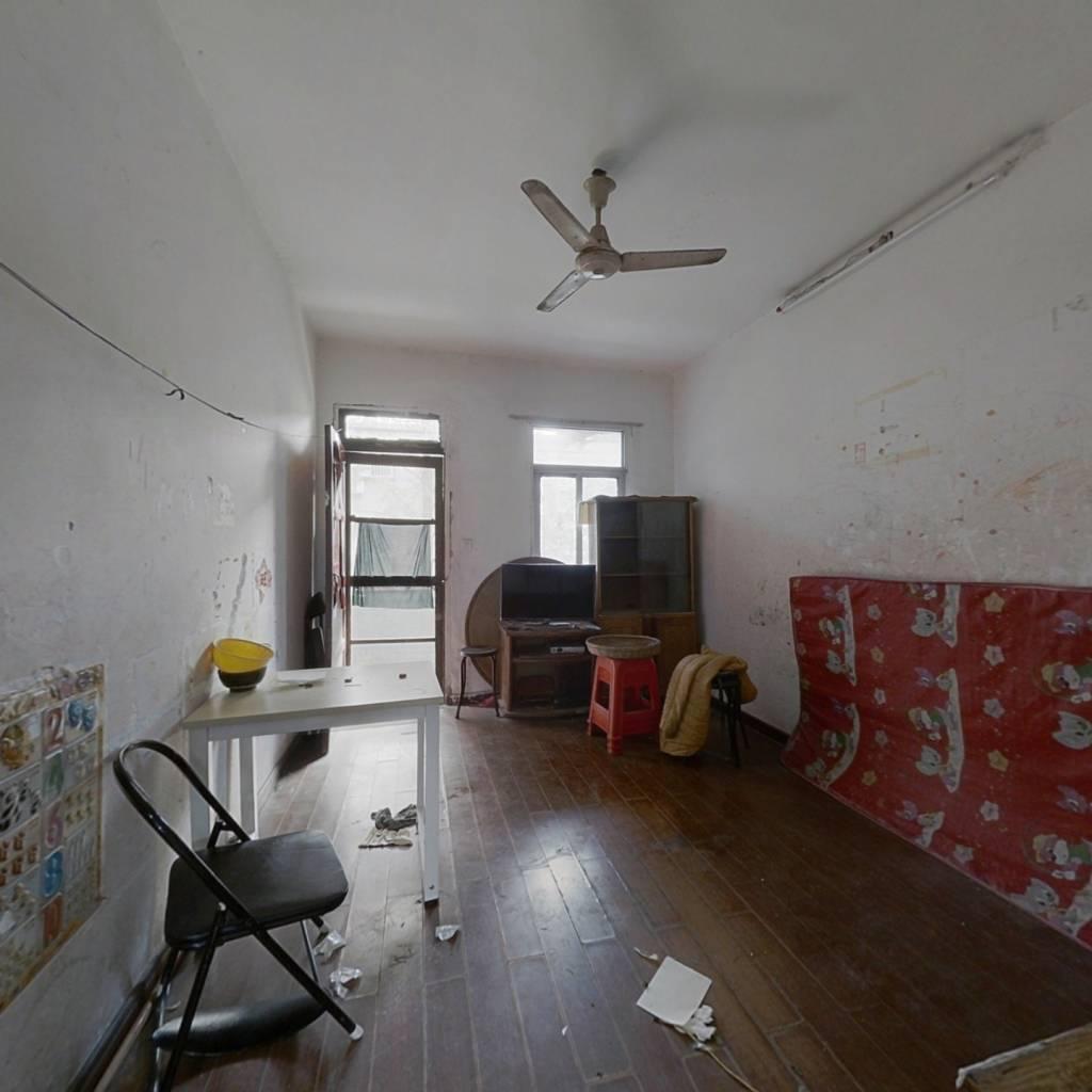 房子低于市场价   小区中间位置   地段繁华  生活便利