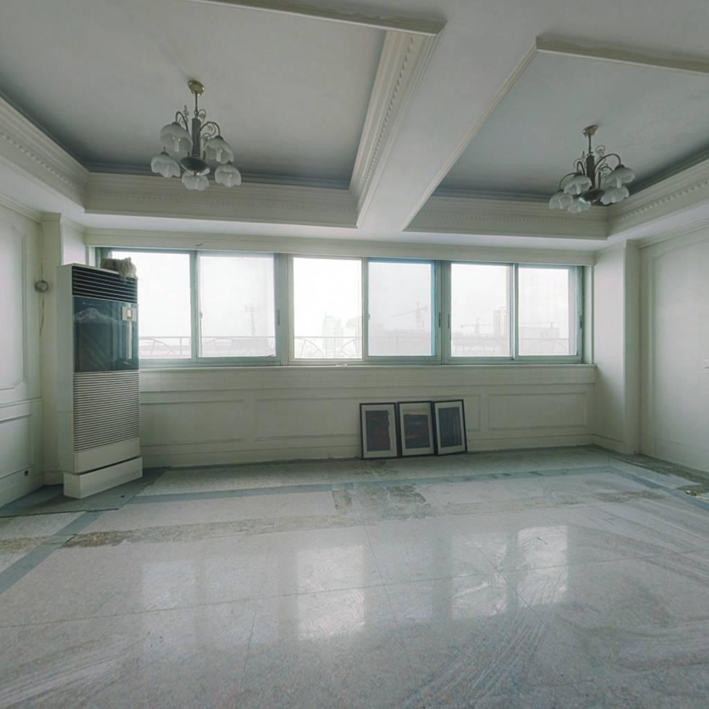 宁波市慈溪南二环寺山公园旁大平层电梯房