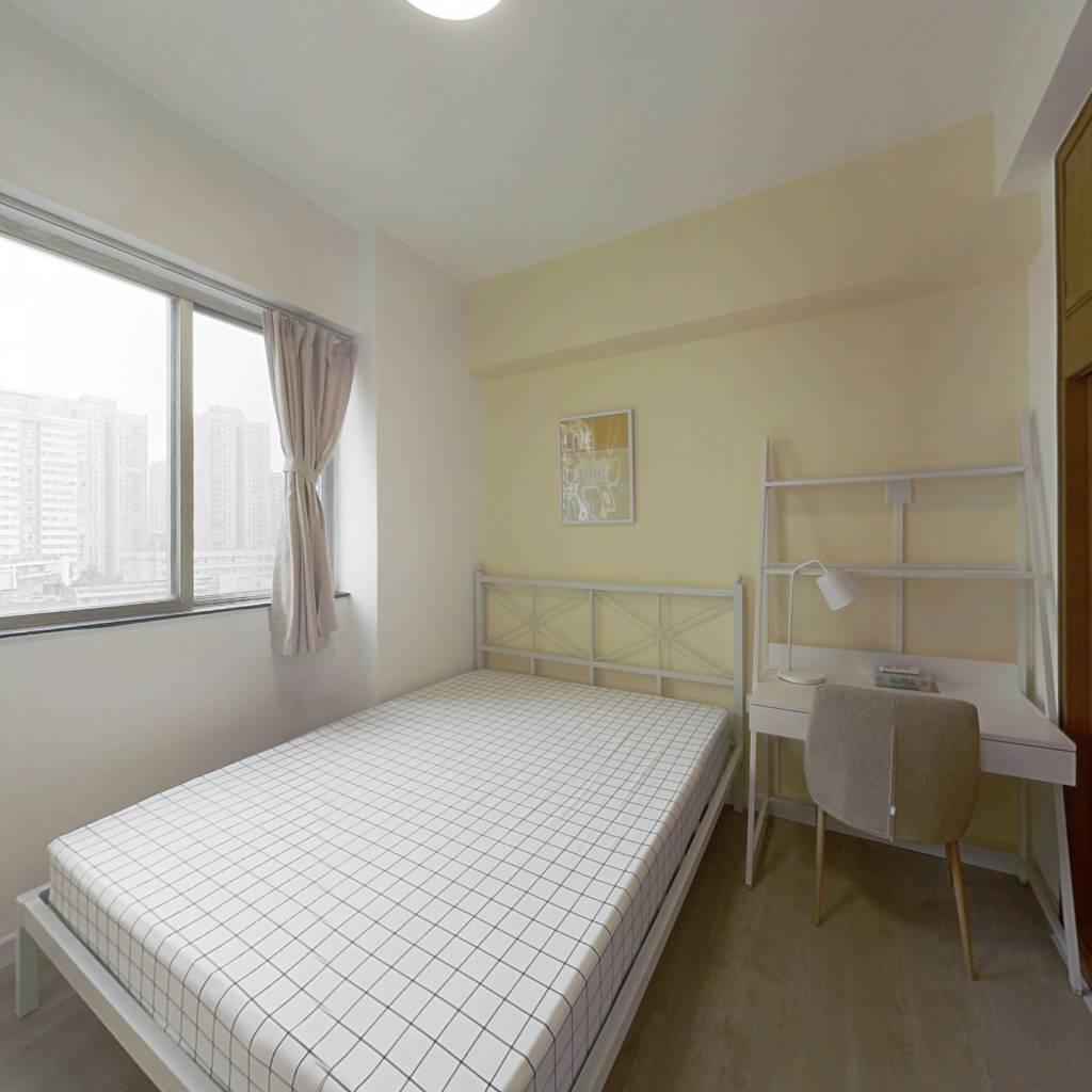 合租·光华大厦 3室1厅 南卧室图