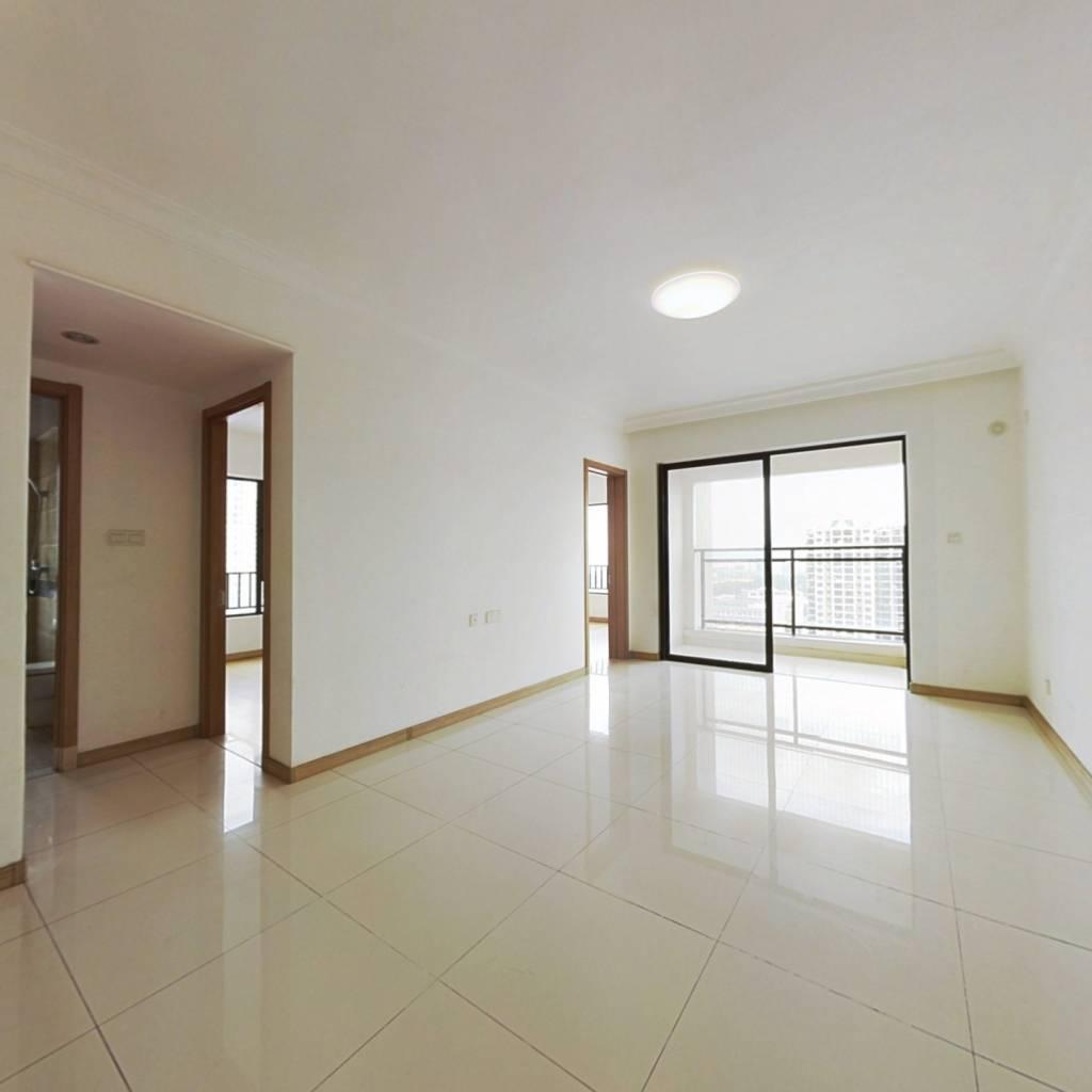 楼层价位有综合优势,户型方正,视野开阔