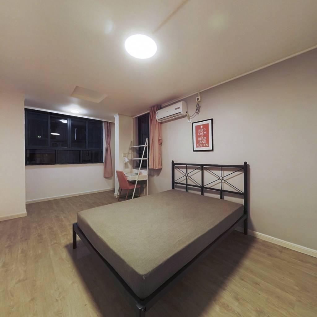 合租·东安二村 3室1厅 南卧室图
