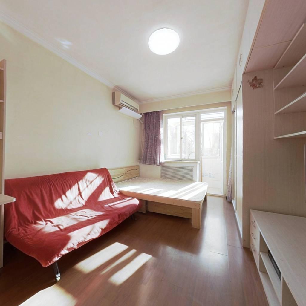 理工附一墙之隔  精装一居室 拎包住 总价低