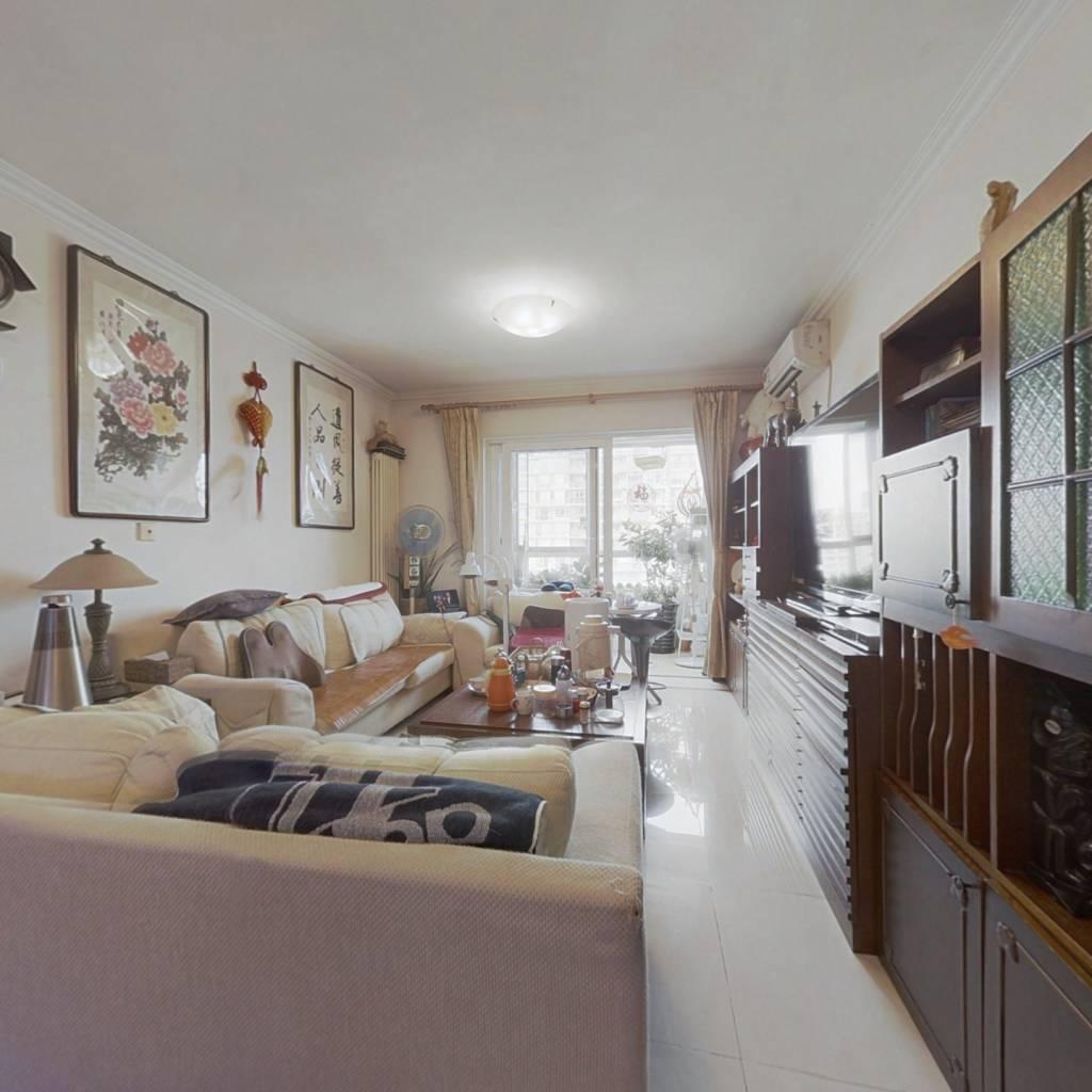 高层观景两居室 视野好两室一厅 看房方便