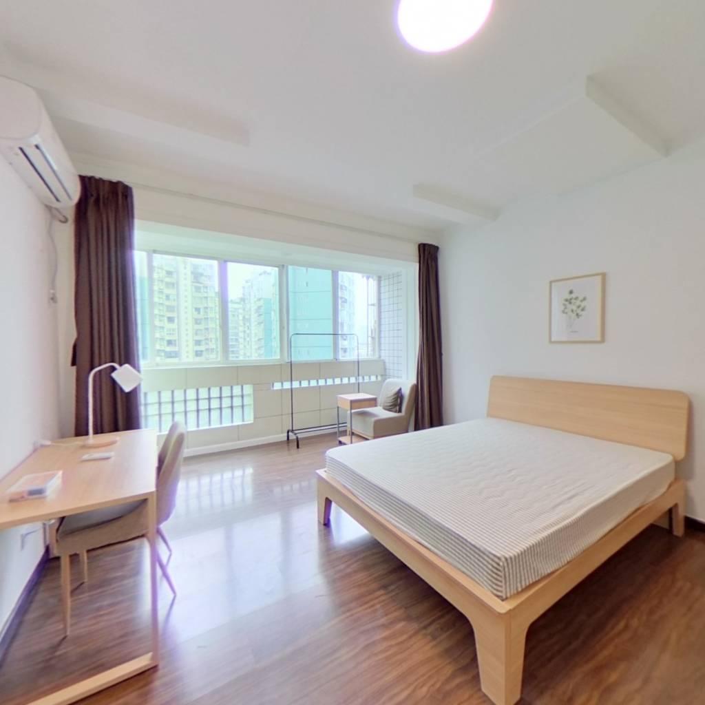 合租·人和逸景 3室1厅 东北卧室图
