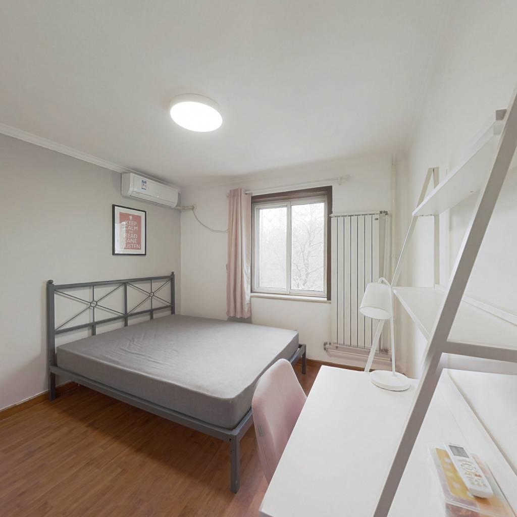 合租·芳城园一区 3室1厅 北卧室图
