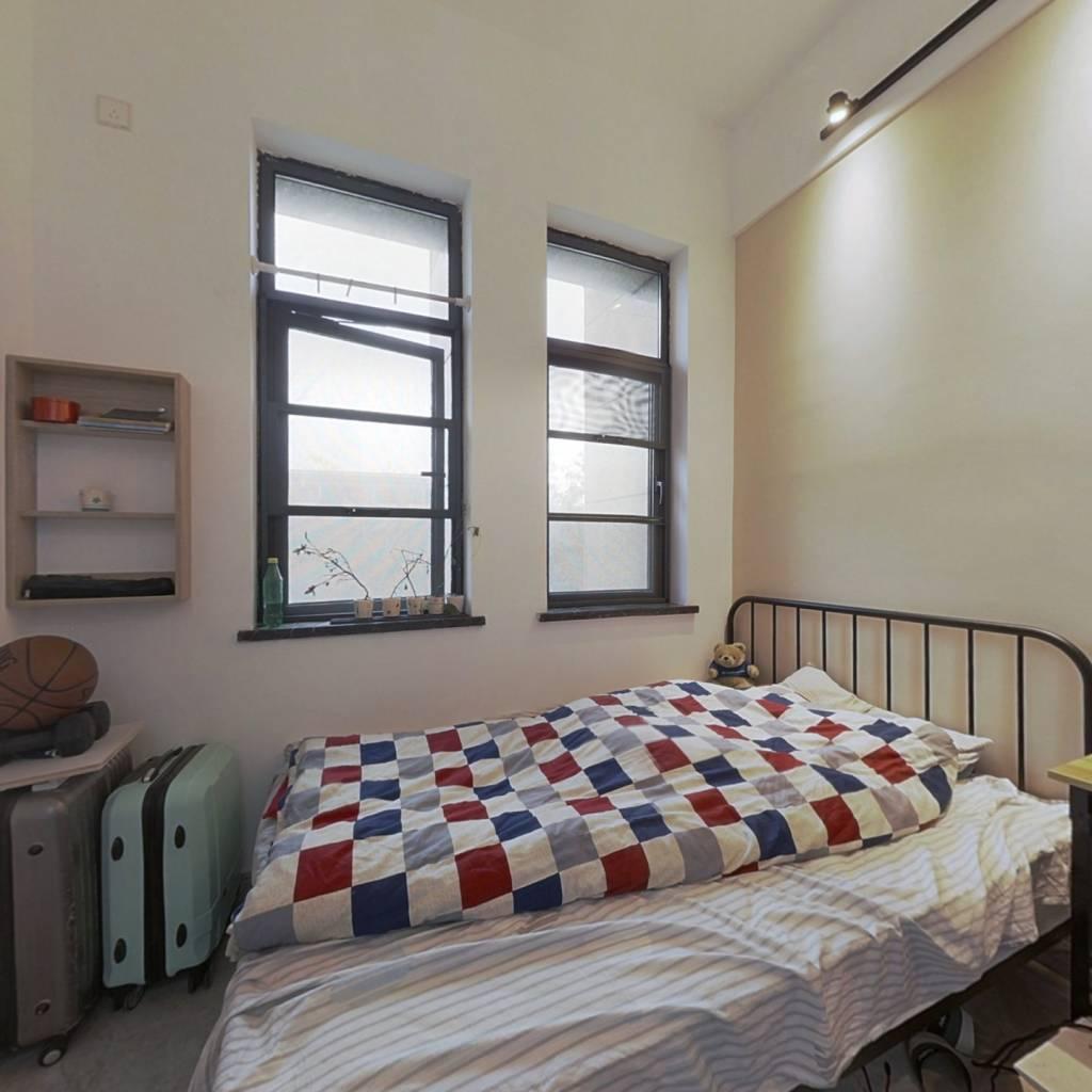 南润名座 自住精装修 用的东鹏瓷砖等 家具电器齐全
