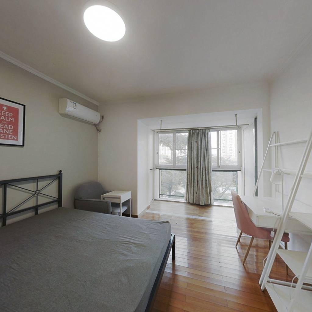合租·南国奥林匹克花园 4室1厅 西卧室图