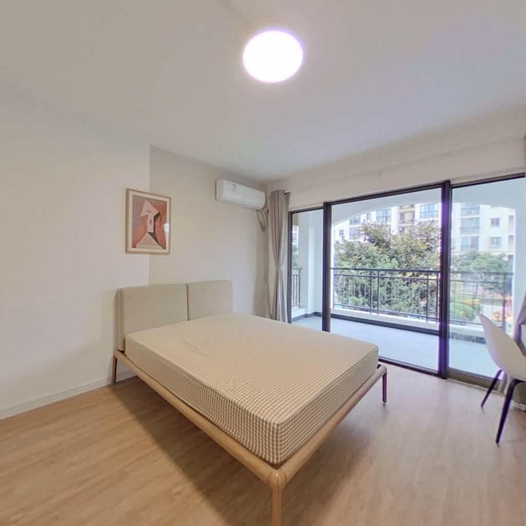 合租·云润家园 3室1厅 南卧室图