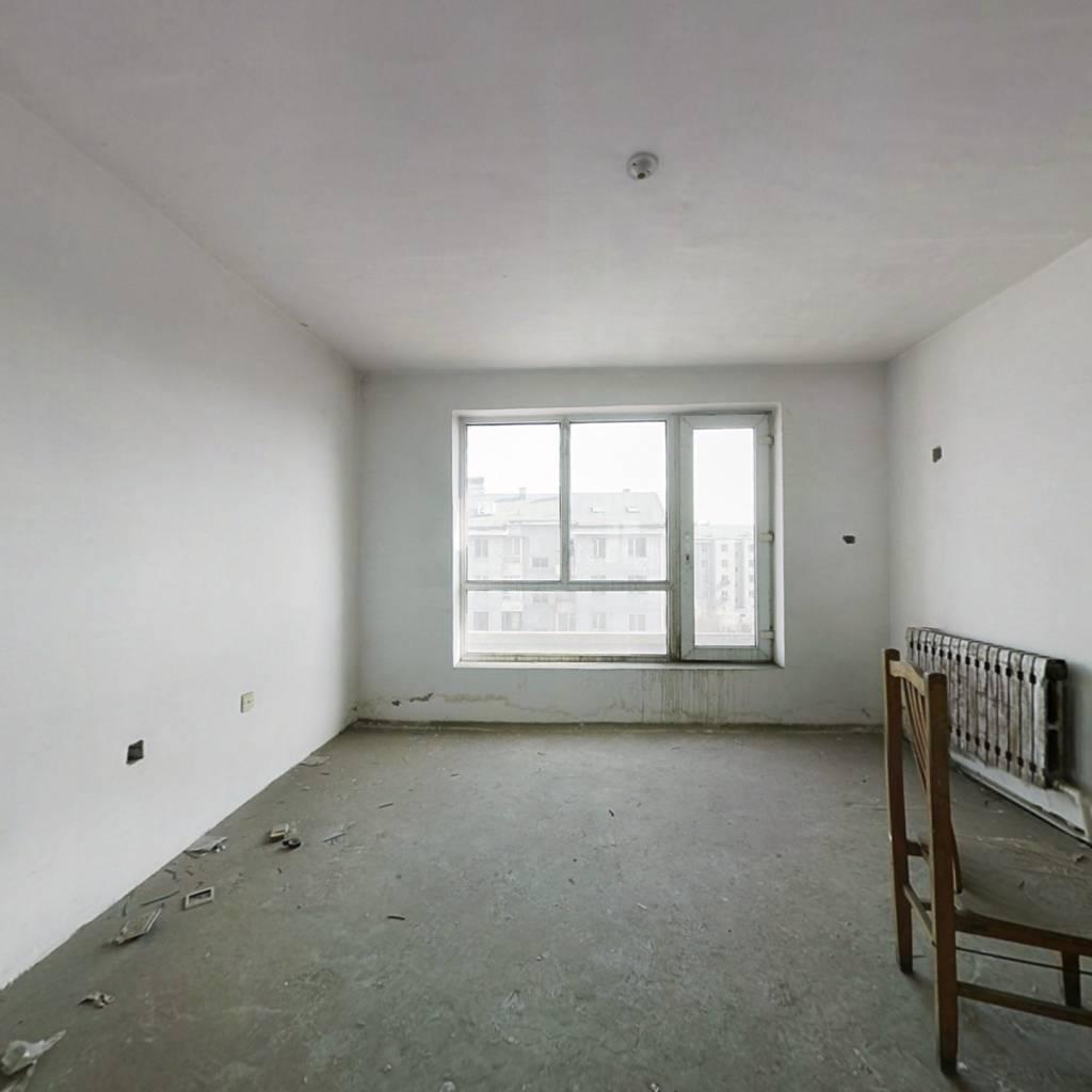 正良嘉苑  三室标准户型  采光好  适合三代人居住