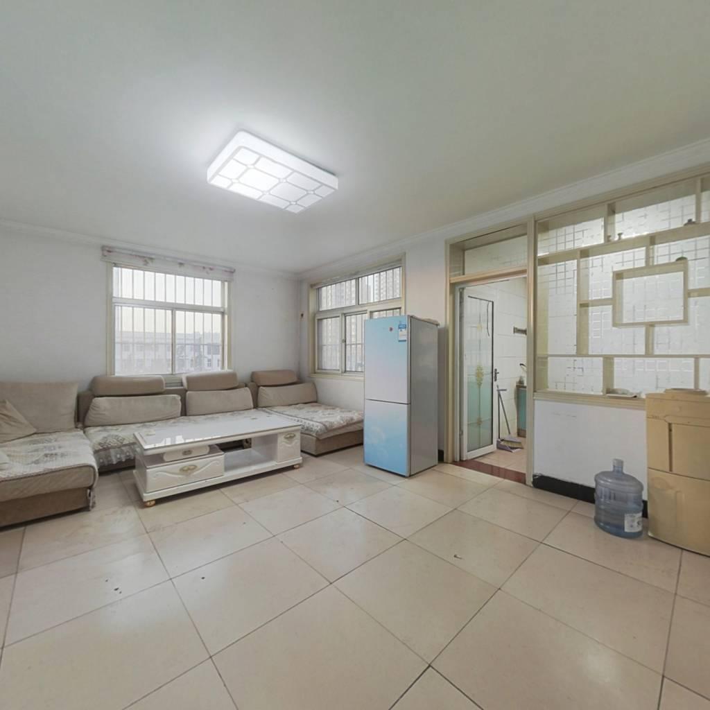 阳光花园 房产证过二年市政供暖 三楼 三居室