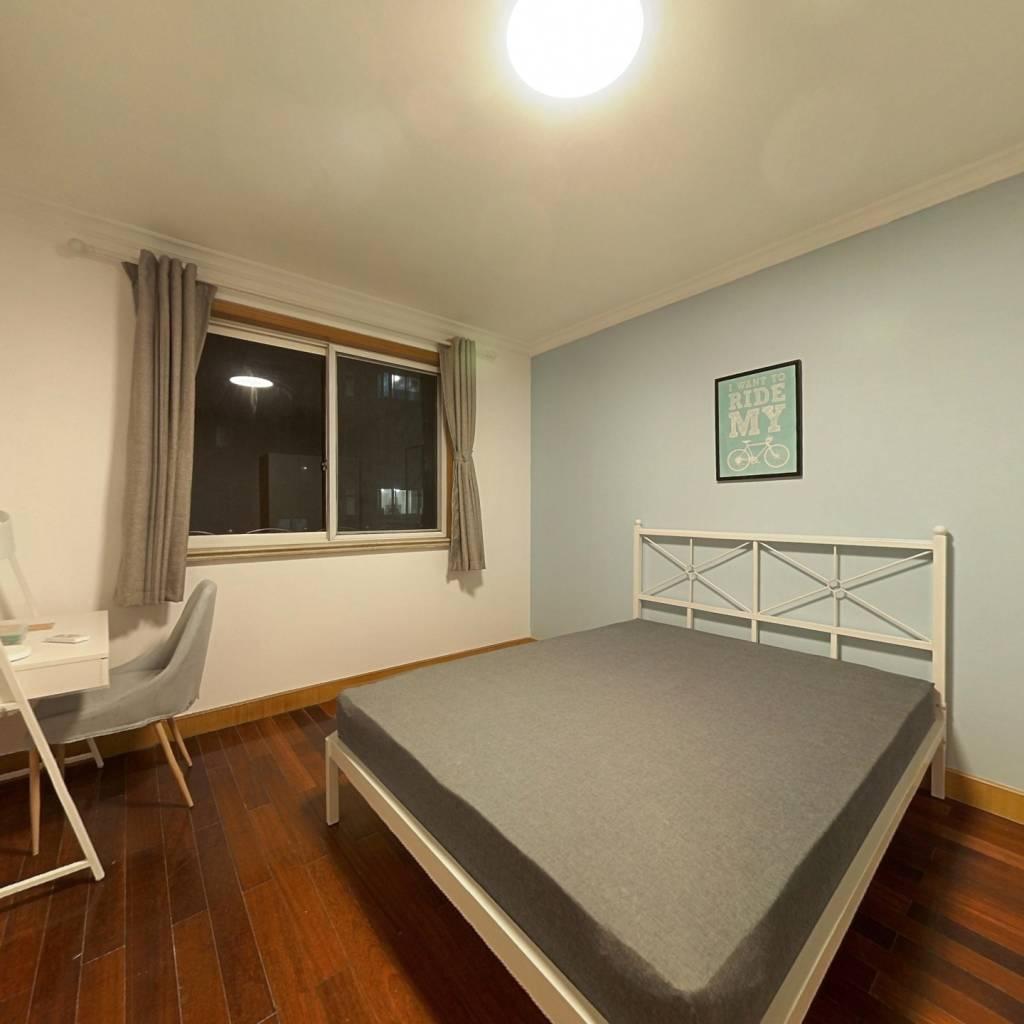 合租·绿雅苑 3室1厅 南卧室图