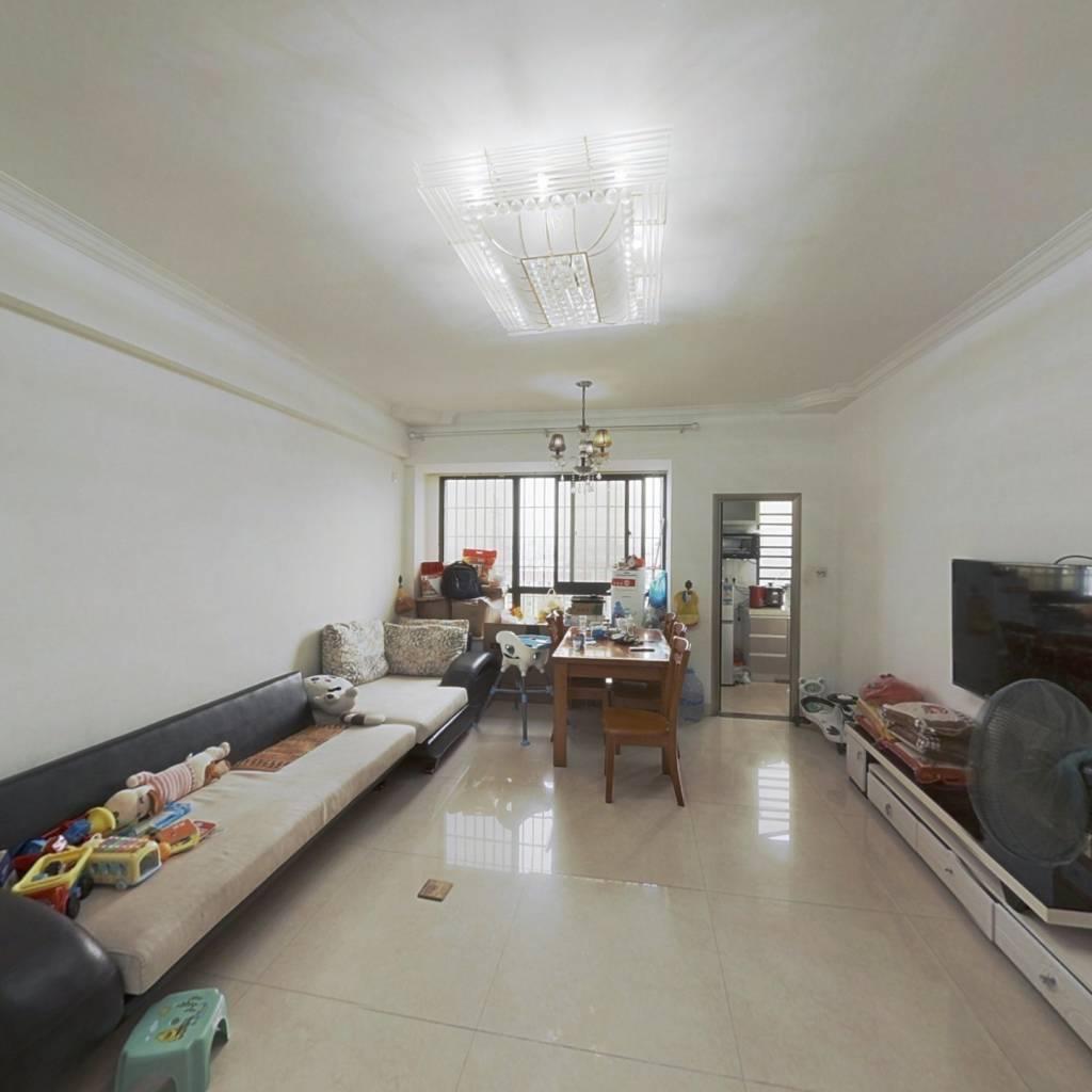此房楼层,适合居住、优质两房、房东诚意出售