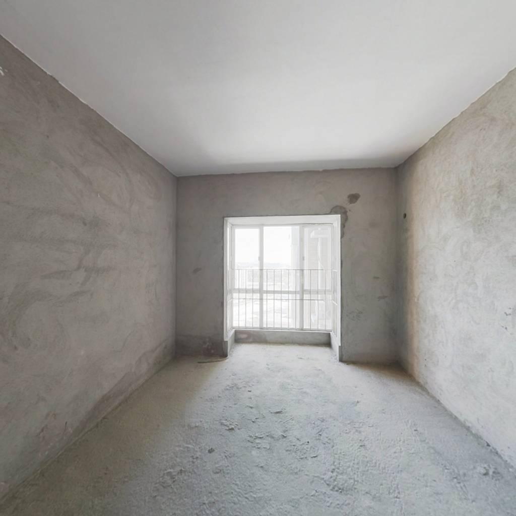旭日御华庭一房出售高楼层。视野开阔