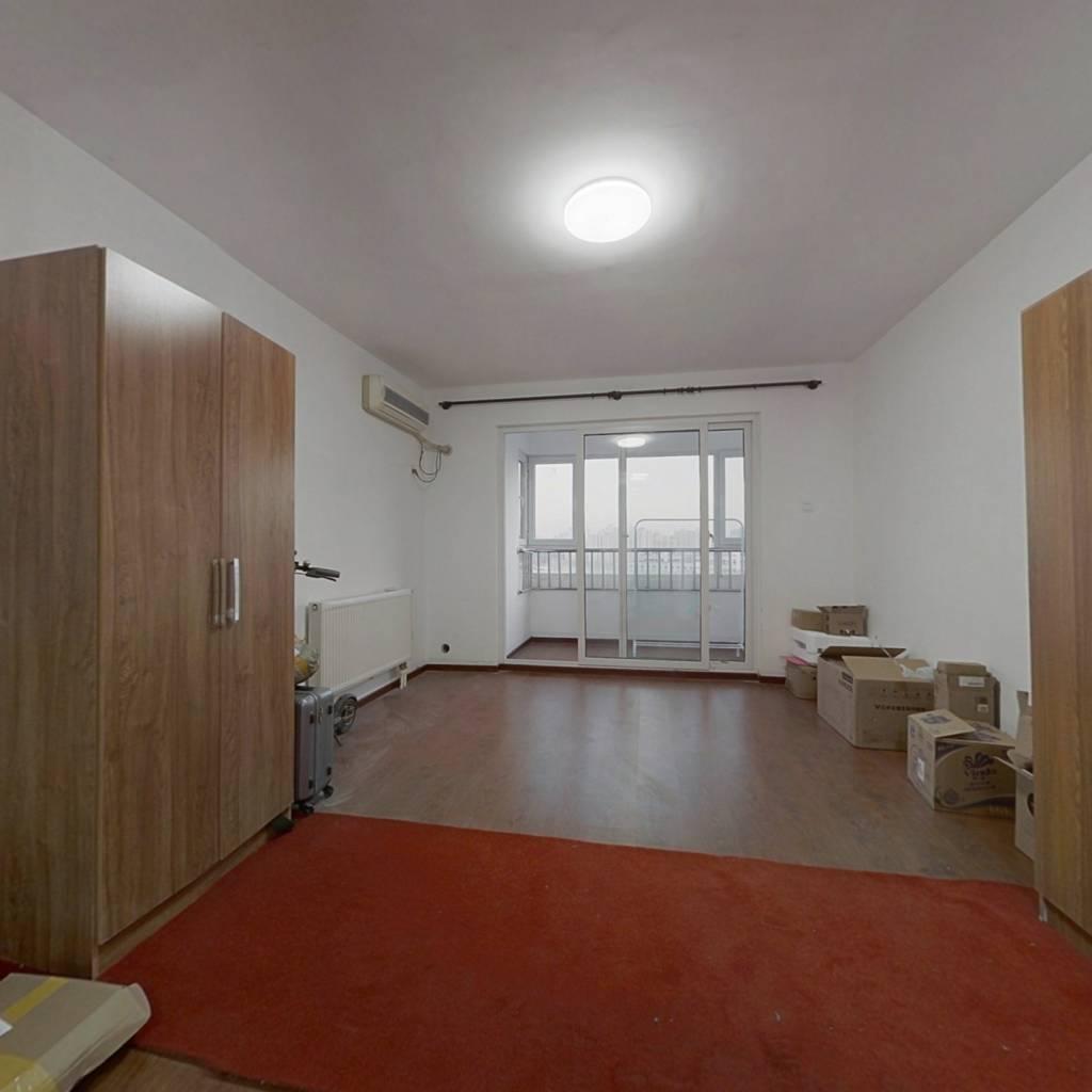 洋房板楼两居,双卧客厅朝南,全明格局采光好
