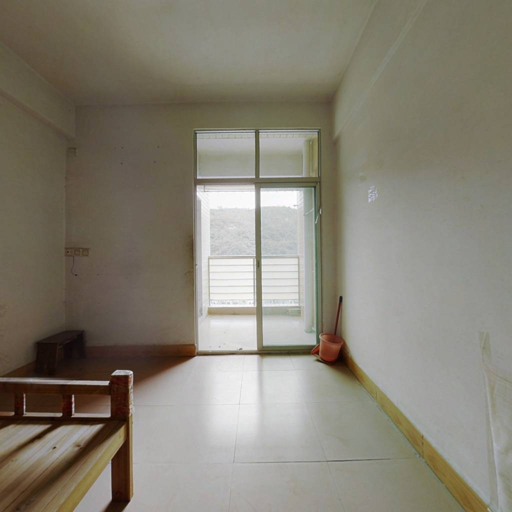 南旺小区简单装修单身公寓,南向,满五不唯一
