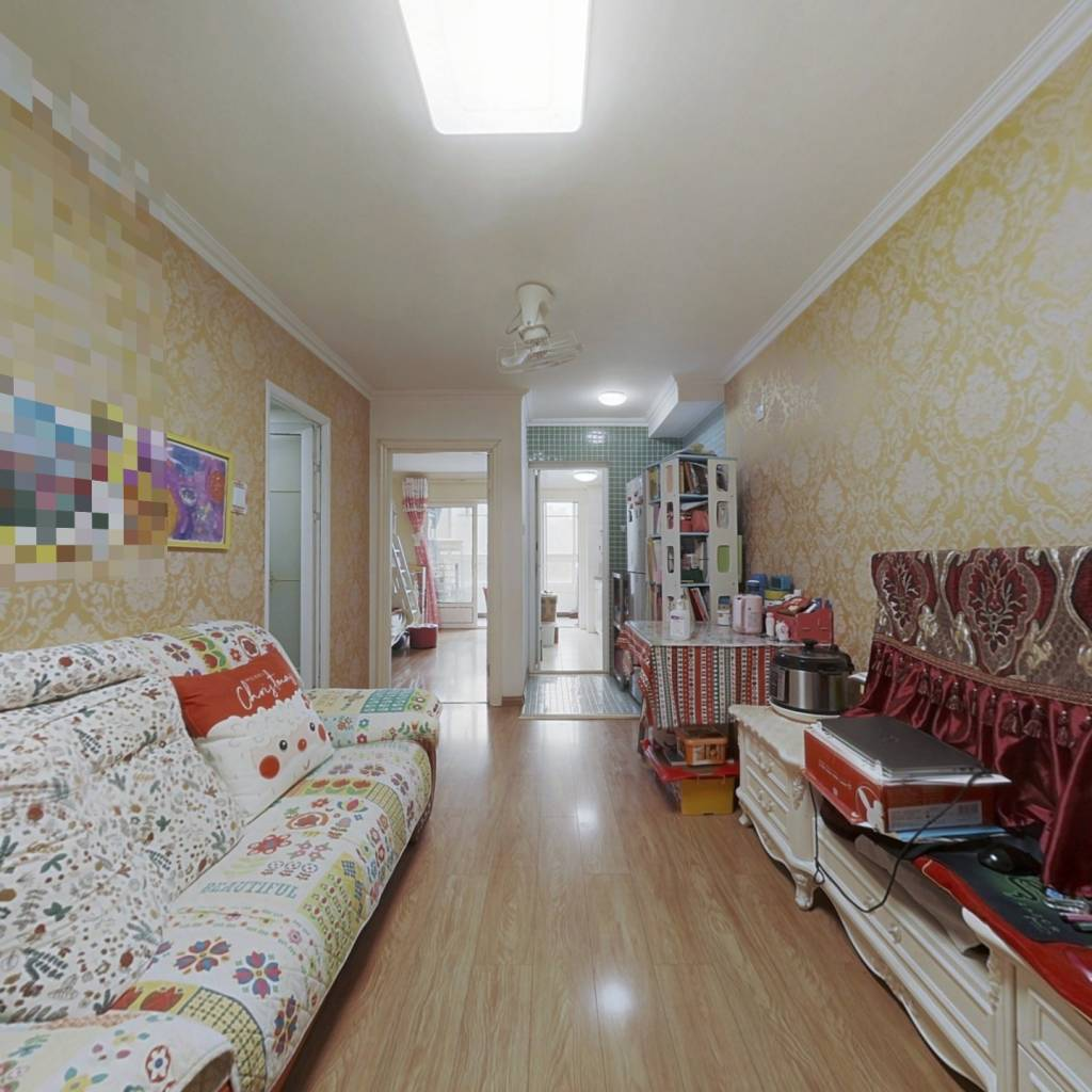 本家润园朝东向一居室,装修好,满五年唯一住房