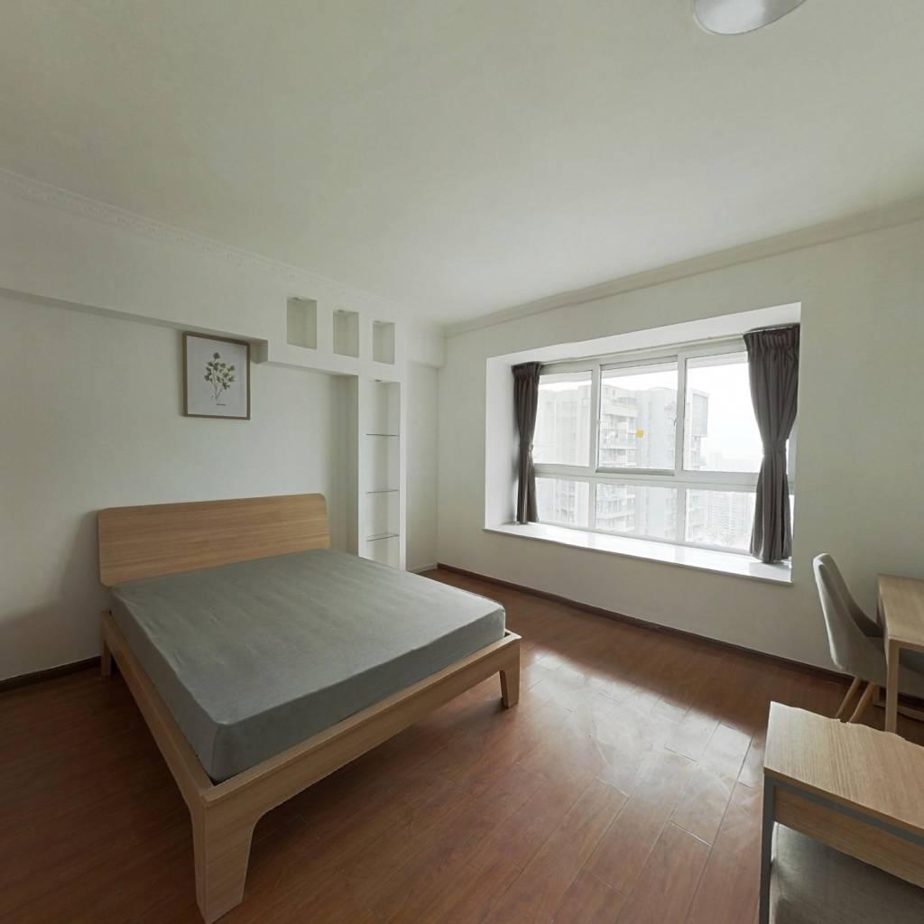 合租·锦城名都 4室1厅 西卧室图