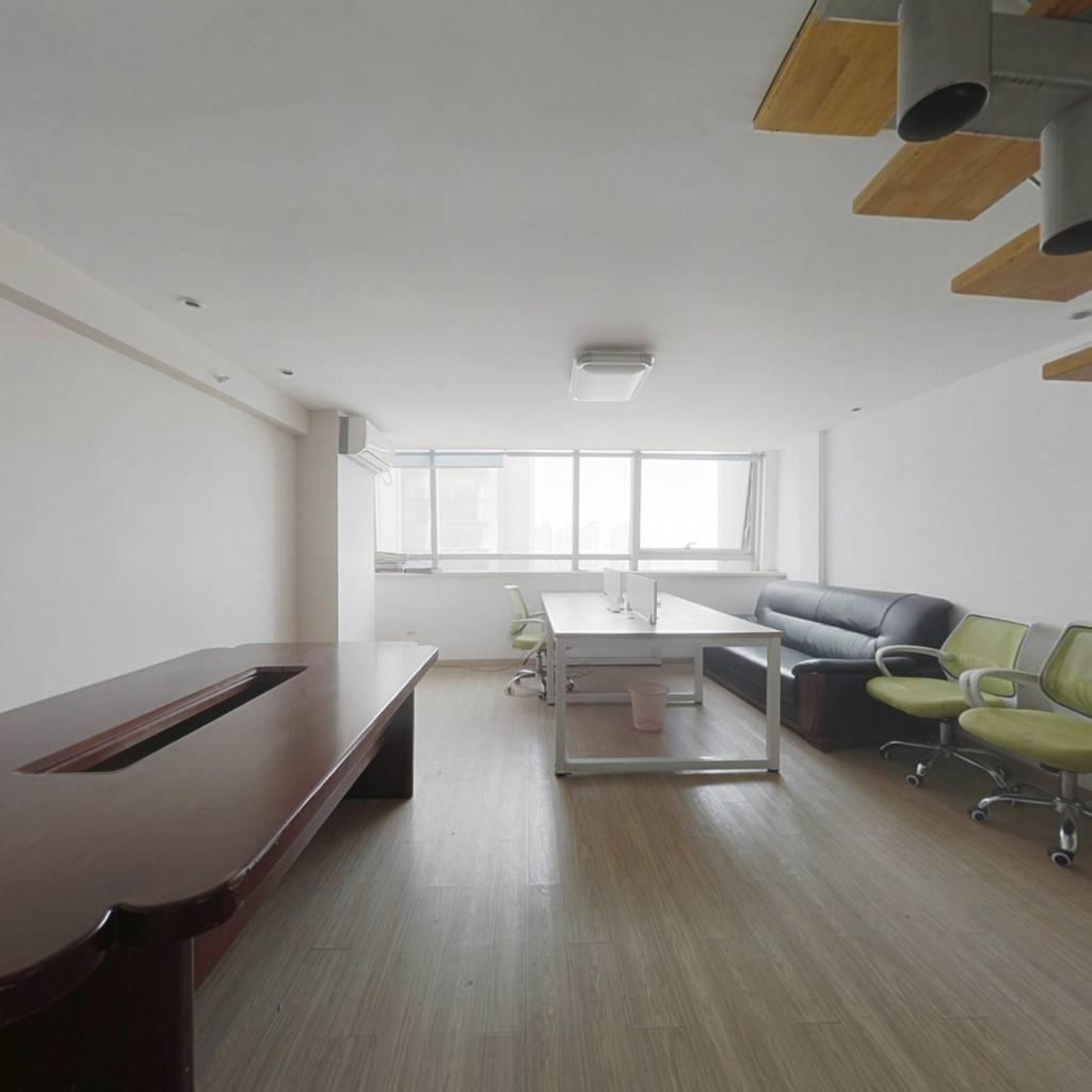挑高公寓 可居住 可办公 楼层好 视野宽阔