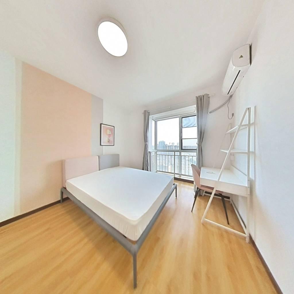 合租·米兰映象 4室1厅 西卧室图