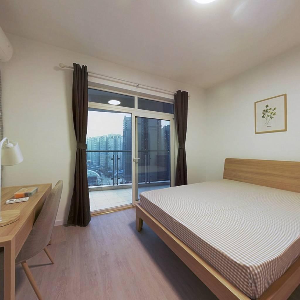 合租·万达锦华城 4室1厅 南卧室图