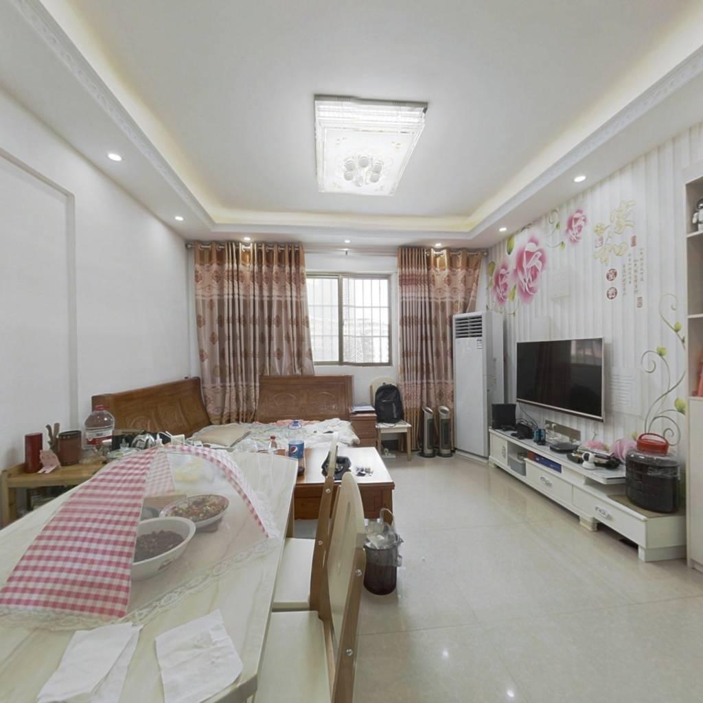 西大商圈,滨江低密度舒适住宅,交通便利,配套齐全!