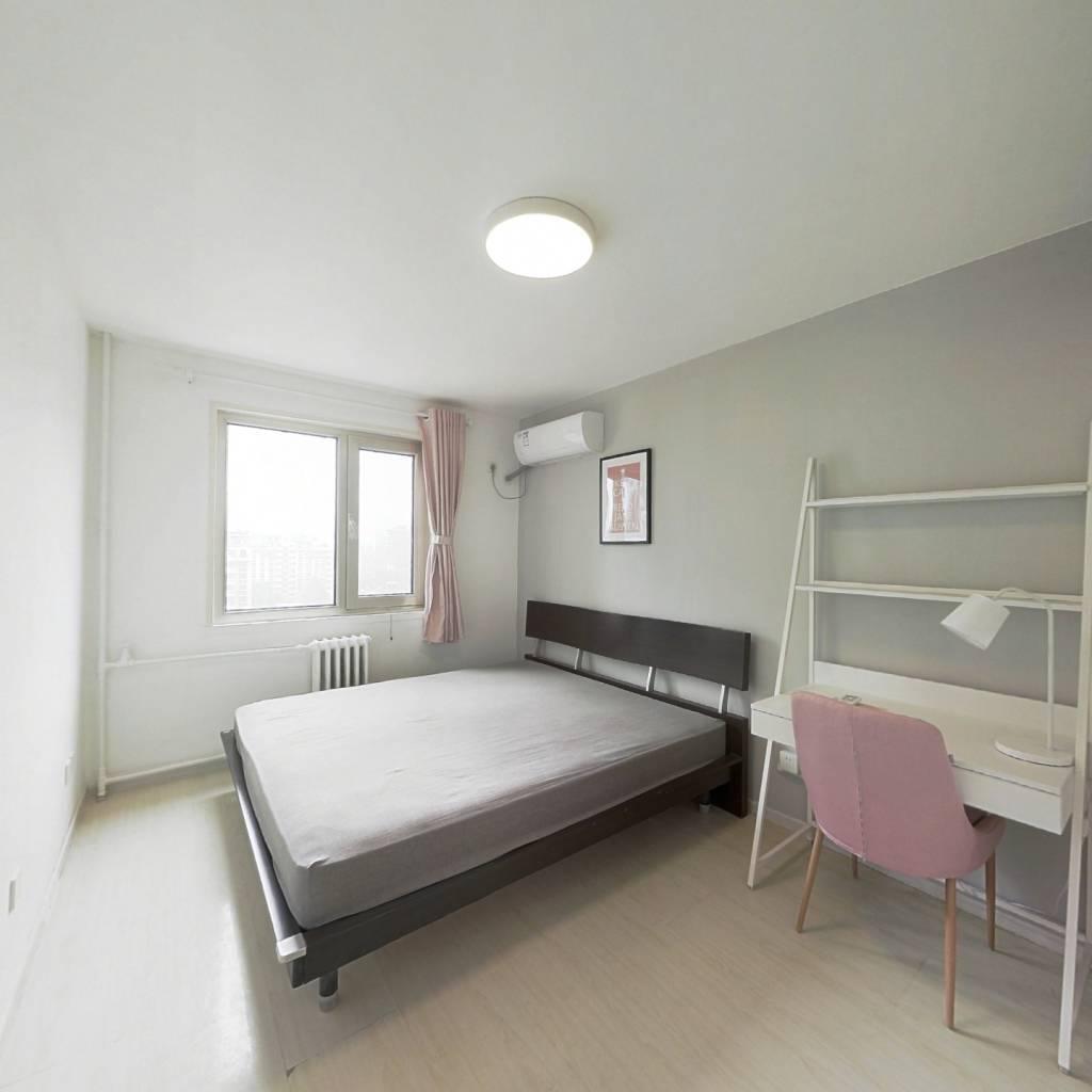 合租·紫芳园一区 3室1厅 南卧室图
