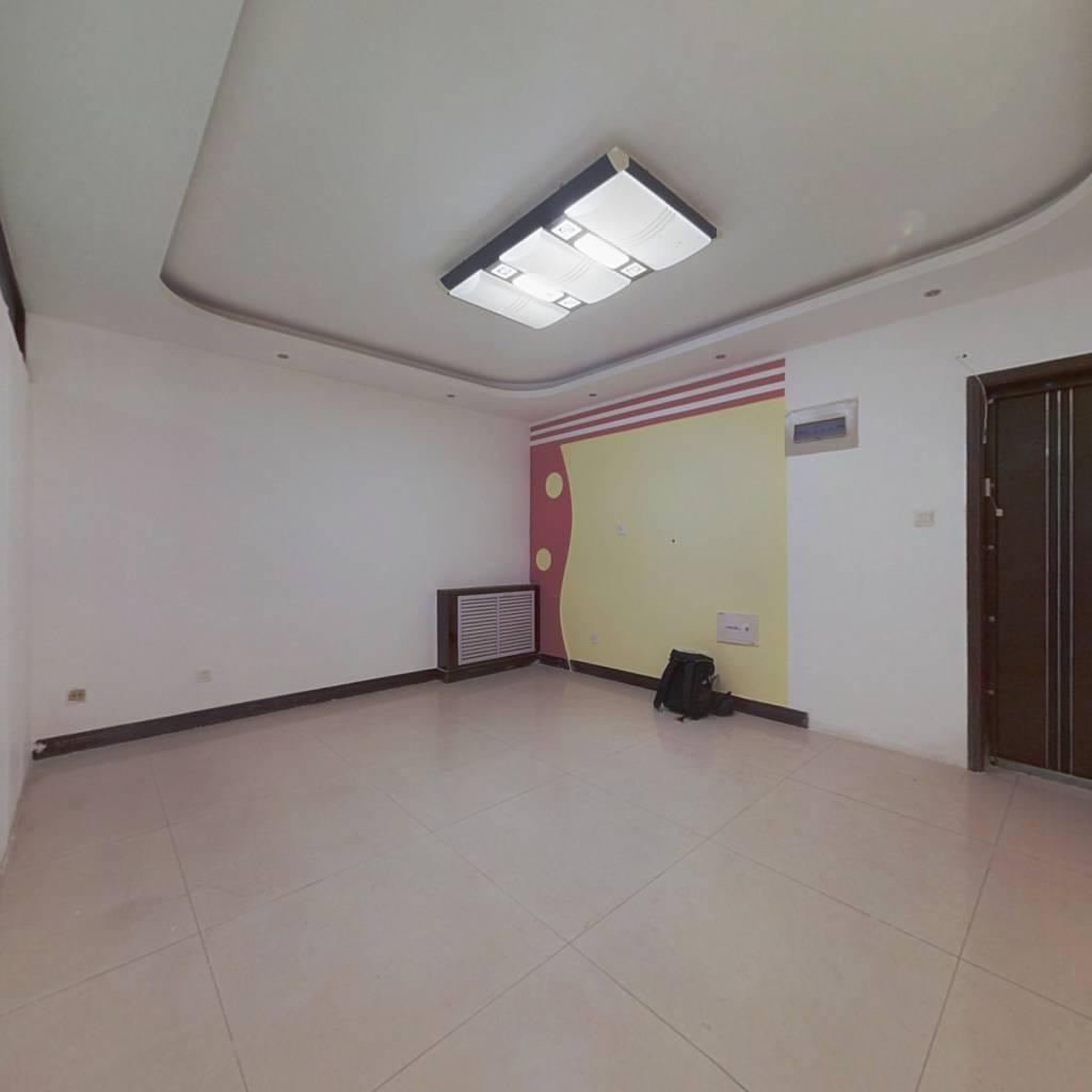 阳光高第   一室一厅,客卧分离, 价格可议 诚心出售